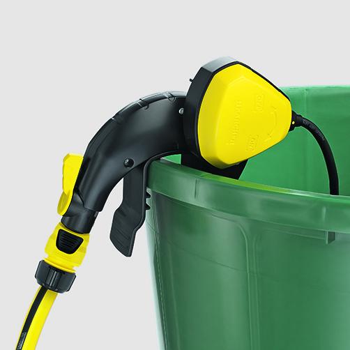 Pompa do zasysania wody z beczek BP 1 Barrel: Elastyczna klamra mocująca