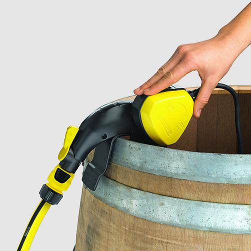 Pompa do zasysania wody z beczek BP 1 Barrel-Set: Przełącznik on/off zintegrowany z pływakiem