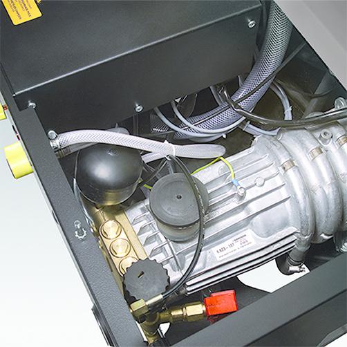 HDS 12/14-4 ST Gas LPG: Chłodzony wodą, 4-biegunowy, wolnoobrotowy, trójfazowy silnik elektryczny