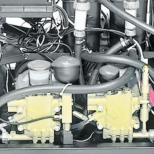 HDS 2000 Super: Dwa silniki