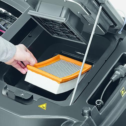 KM 90/60 R G Adv: Tact: W pełni automatyczny system oczyszczania filtra